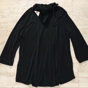 RO & DE tie neck blouse size large